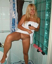 lesbo mature images