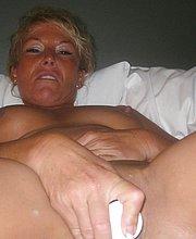 female mature escorts