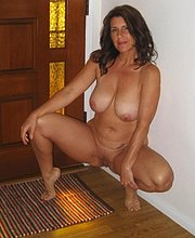 naked pussy mature pics