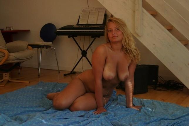 Petite blonde milf porn