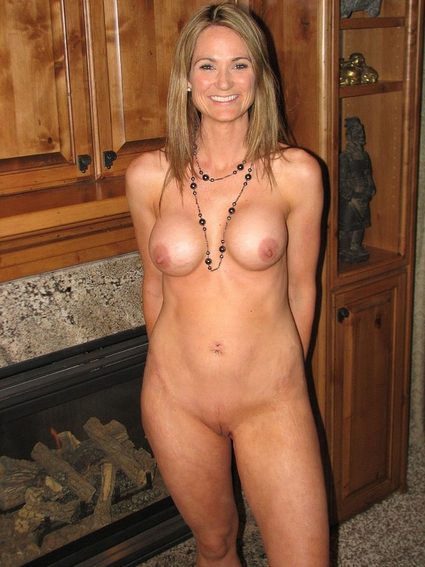 nude sexy tv moms