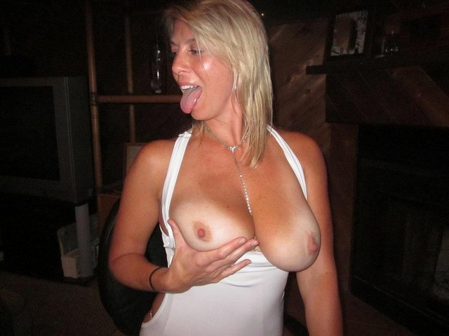 Amateur mature slut mom dripping old cunt all over 6