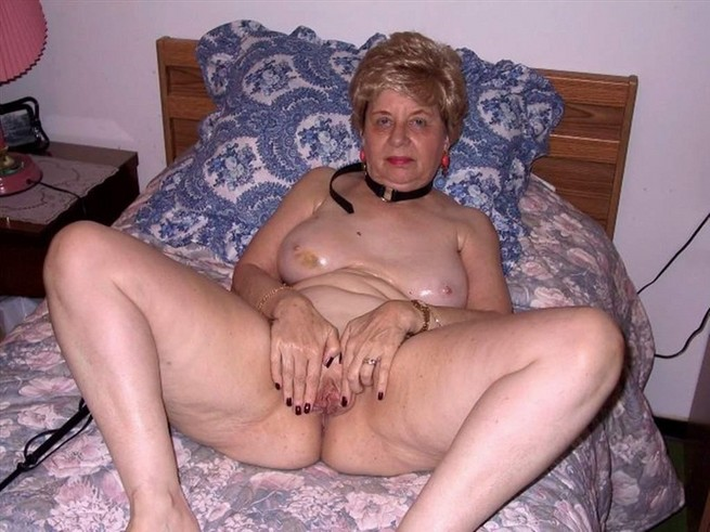 old hairy granny pussy vidoes