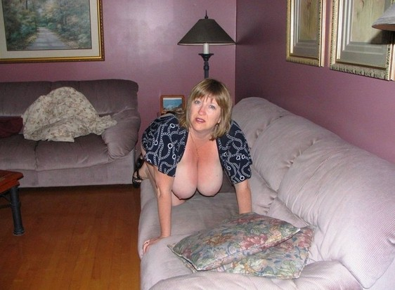 free mature housewife blowjobs
