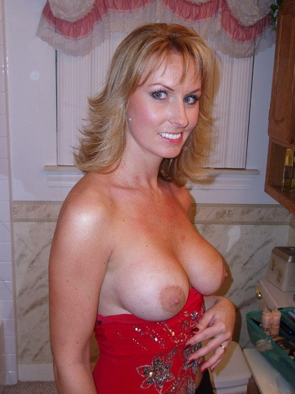 mature houswife gallery