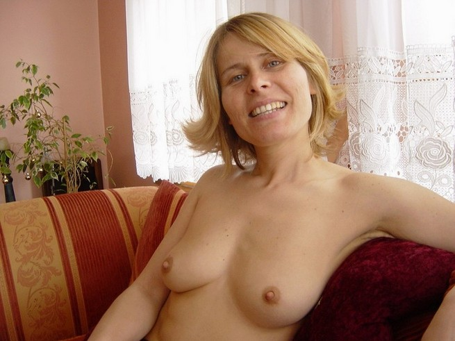 mature lesbian nude pictures
