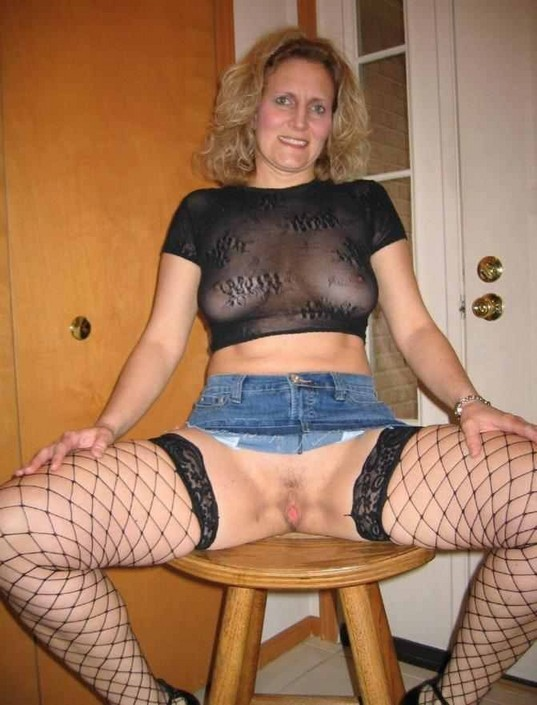 Milfnextdoor pic - Huge and hot collection of Mature and ...