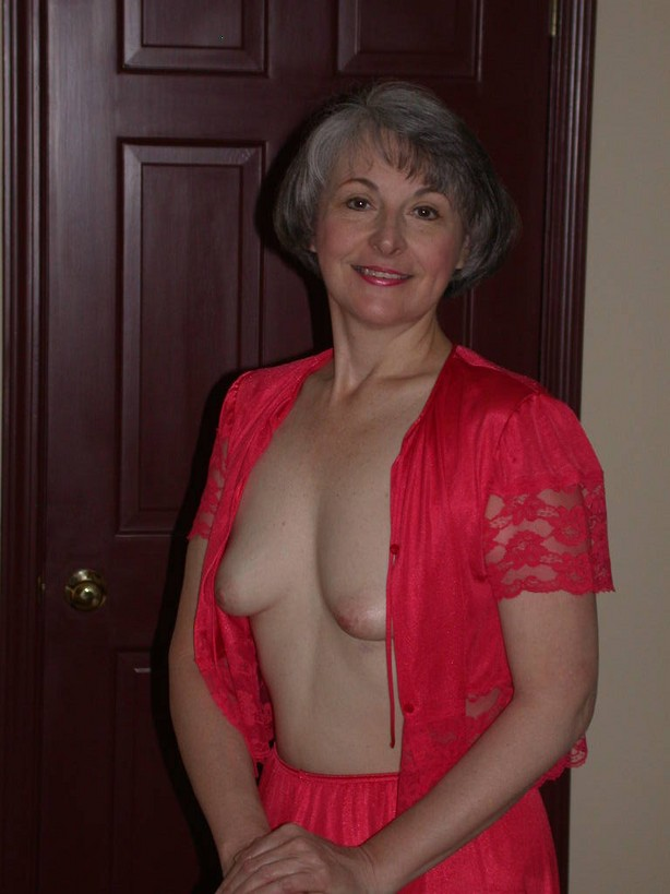 sexy mature moms tube4