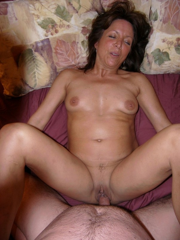 Amateur mature mom sex