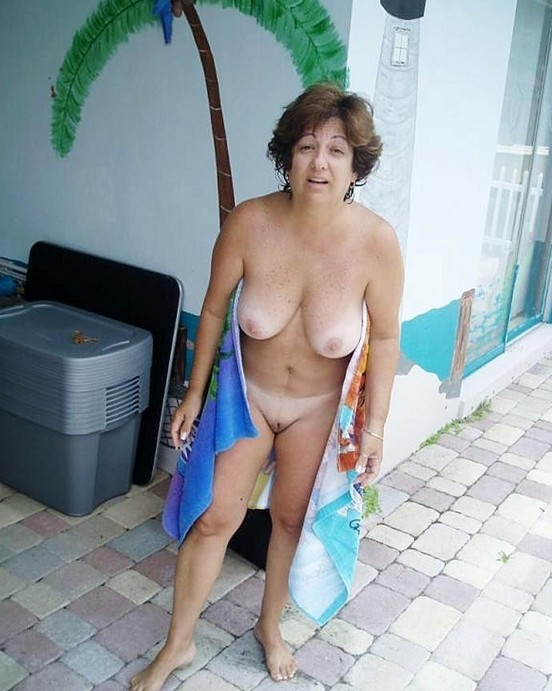 Jewish moms nude